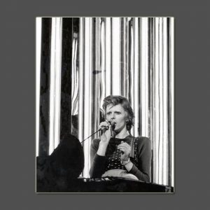 07 Diamond Dogs Tour 1974 - David Bowie Photo Exclusive - Signed by the Legendary Rock Photographer John Rowlands for the blackstar.STUDIO