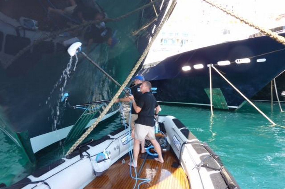 Ship Cleaning Services : Yacht wraps cleaning services